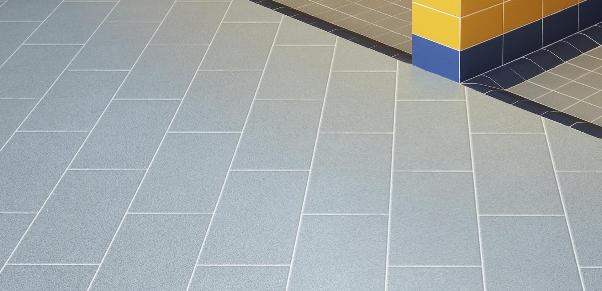 Piastrelle antiscivolo flooring r10 b a b catalogo - Piastrelle che sembrano parquet ...