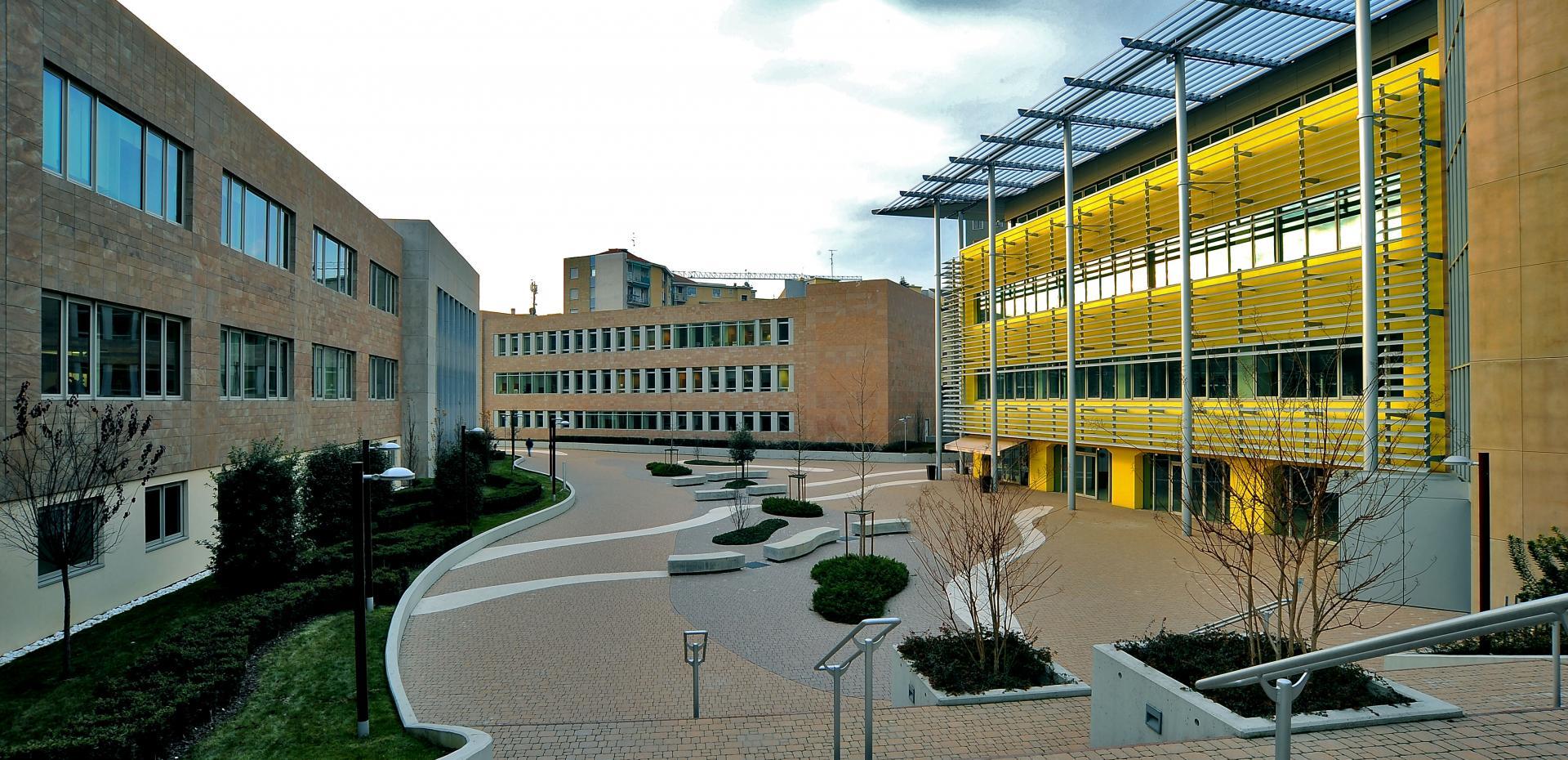 Complesso uffici metrocomplex milano for Lavoro architetto milano